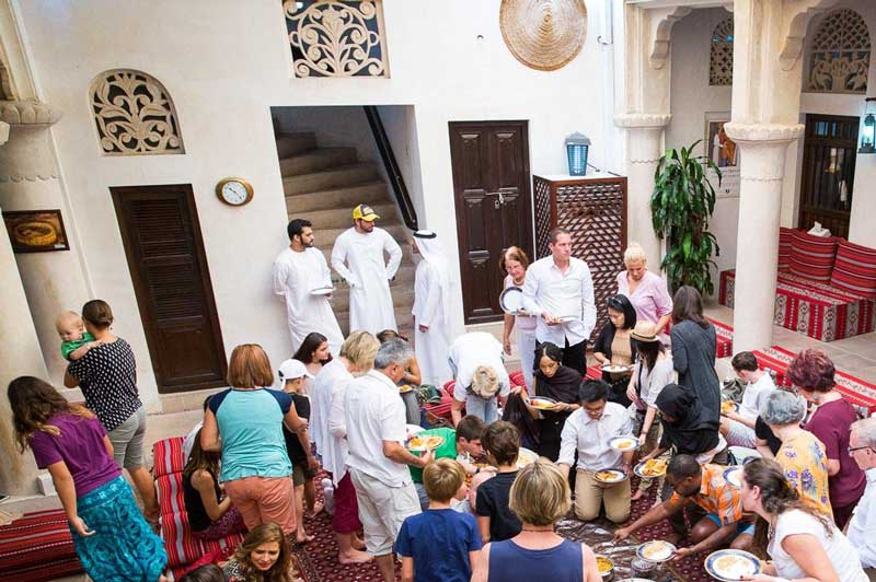 Sheikh Mohammed Centre for Cultural Understanding (SMCCU) er stedet hvor du kan lære om Dubais kultur og skikke.
