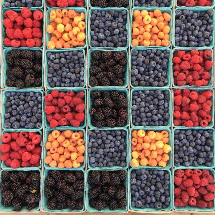 Sunde bær i haven
