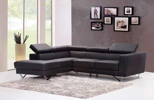 En god sofa er uundværlig i indretningen af en hyggelig stue