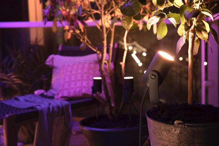 spændende havebelysning fra Philips Hue